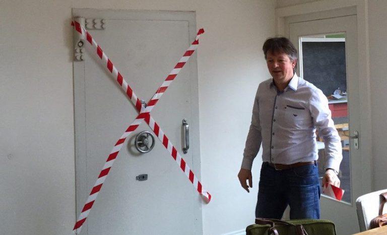 Het kunstproject gaat schuil in de nog hermetisch gesloten kluis van de Bank van Noppes.