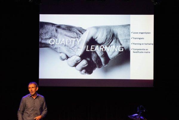 Johan deRooij legt de module Q-Learning uit op het ManualMaster Congres Kwaliteitsmanagement 2020
